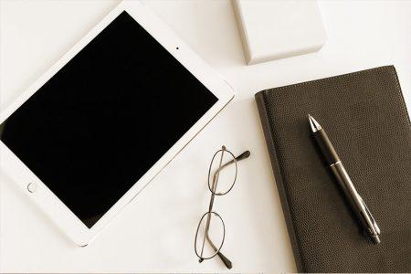 手帳とタブレット